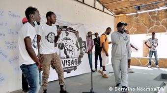 Angola Aktivisten des Movimento Terceira Divisão prangern Aggression der Polizei an