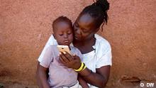 DW Sendung Global 3000 | Kenia Frau und Kind
