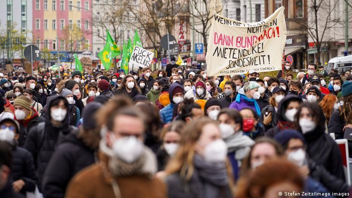 Weltspiegel 16.04.2021 | Deutschland Berlin | Protest gegen Urteil zu Mietendeckel