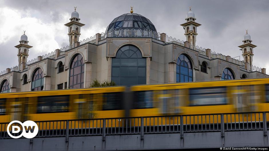 जर्मनी में मुसलमान बढ़े और आबादी की विविधता भी