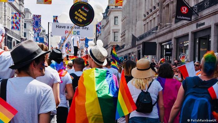 Grupa Polish Rainbow UK na marszu równości w Londynie w 2018 roku
