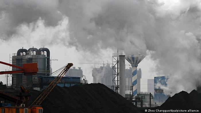 Ein Kohlekraftwerk in der ostchinesischen Stadt Hangzhou