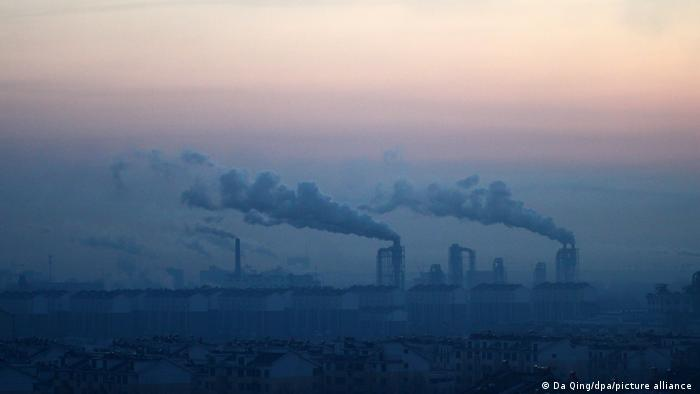 Foto ilustrasi pembangkit listrik di Dezhou, Cina