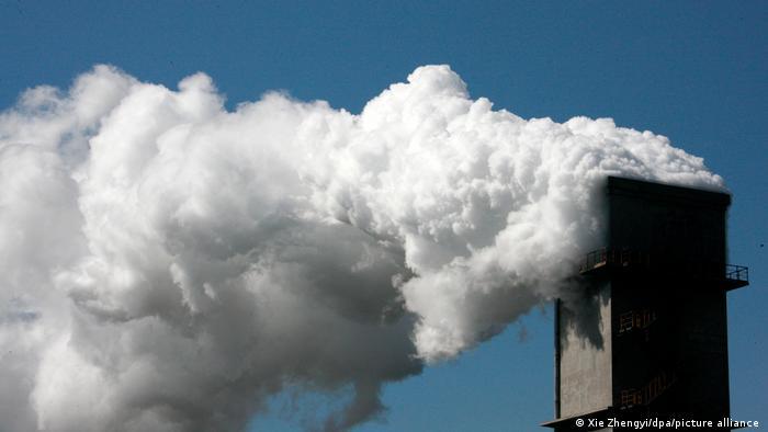 Los dos países más poblados del mundo se encuentran entre las decenas que ignoraron la fecha límite del 30 de julio establecida por la agencia de cambio climático de la ONU para proporcionar una actualización sobre sus planes para frenar la liberación de gases que calientan el planeta. Solo 58% de los países presentó sus nuevos objetivos a tiempo (31.07.2021).