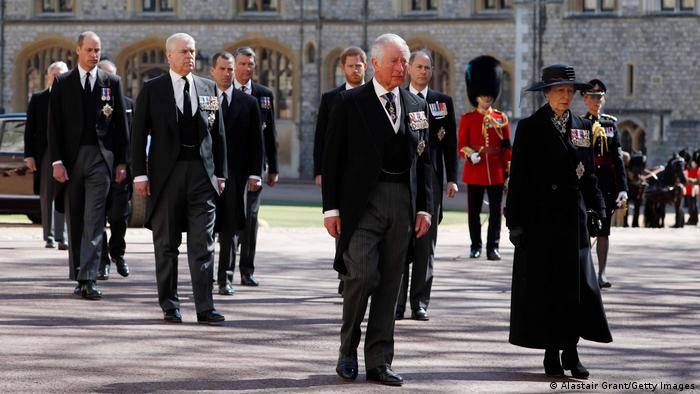 Royal family takes part in the Ceremonial Procession