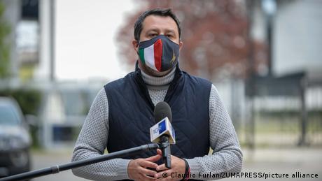 Matteo Salvini besucht ein Impfzentrum in Mailand (Archiv)
