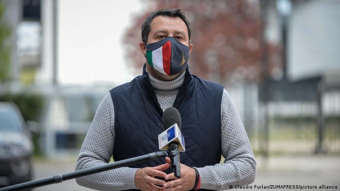 Italien | Coronavirus |Matteo Salvini besucht Impfzentrum in Mailand