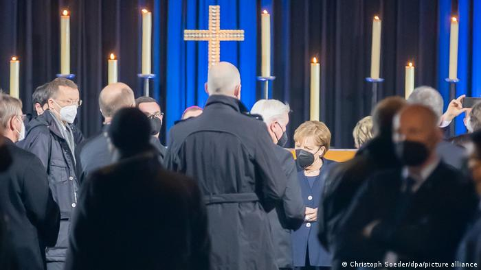 Štajnmajer i Merkel bili su u crkvi u Berlinu