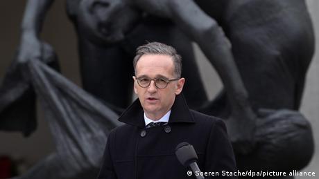 وزير الخارجية الألماني هايكو ماس أثناء خطاب ذكرى تحرير معسكر زاكسنهاوزن للإبادة (أرشيف)
