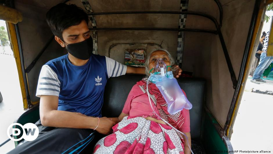 COVID: Indian hospitals overwhelmed by new virus wave