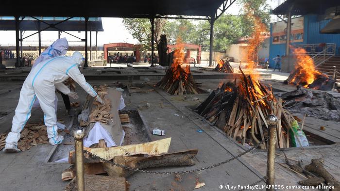 Several funeral pyres burning in Delhi