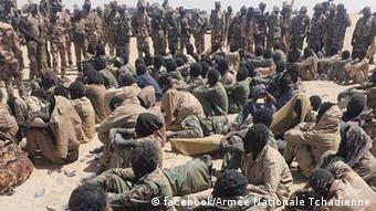 Des rebelles faits prisonniers par l'armée tchadienne en avril 2019 à Mao