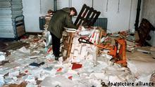DDR Sturm auf die Stasi-Zentrale