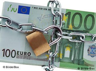 100-euro bill in chain and lock