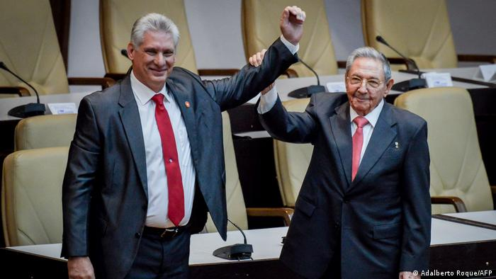 Miguel Diaz-Canel (left) and Raul Castro (right)