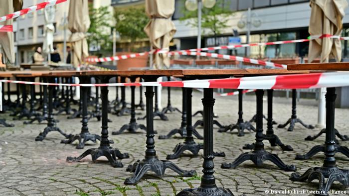 Almanya'da üçüncü dalga boyunca birçok restoran ve cafe kapalı kalmıştı