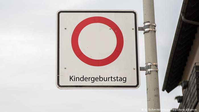 Un indicator neverosimil: Interzisă organizarea de zile de naştere pentru copii