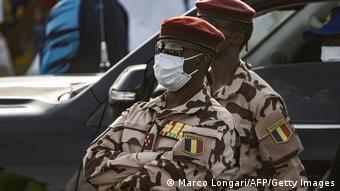 La transition militaire est assurée par Mahamat Idriss Déby Itno, fils du président défunt