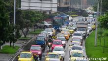 Fotograf: Felipe Anandano/DW Stau in Kolumbiens Hauptstadt Bogotá gehört zum Alltag. Bogotá gehört bislang zu den staureichsten Städten der Welt. Jährlich sterben tausende Menschen an den Folgen der strarken Luftverschumutzung.