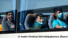 Junge Flüchtlinge in Hannover gelandet