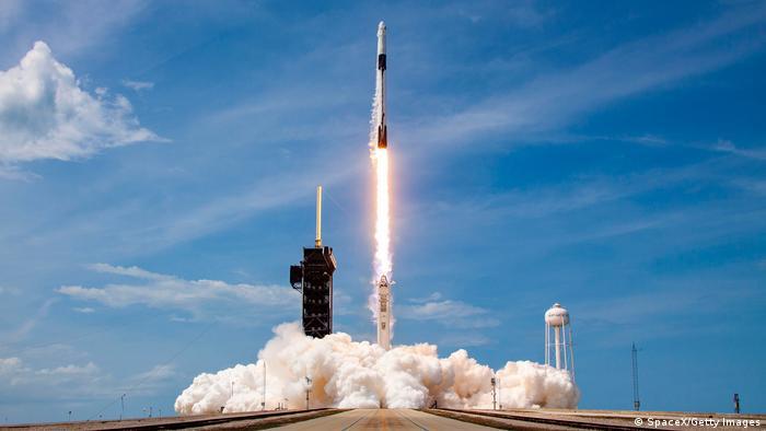 Запуск ракети-носія Falcon-9 з мису Канаверал
