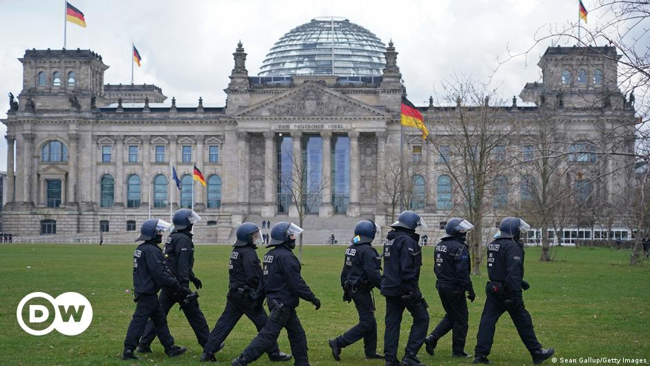 Bundestag approves national coronavirus rules
