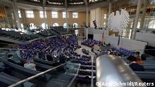 Deutschand Debatte über das Infektionsschutzgesetz im Bundestag