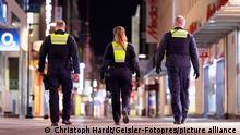 Deutschland Coronavirus l Nächtliche Ausgangssperre in Köln, Polizei