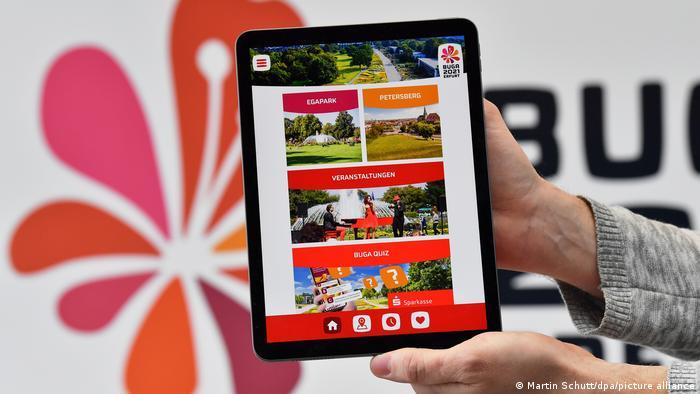 Организаторы выставки подготовили специальное приложение с программой мероприятий и другой информацией для посетителей