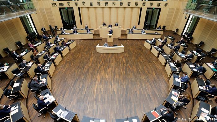 Berlin Bundesrat Diskussion Infektionsschutzgesetz
