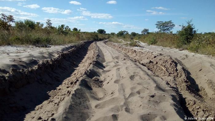 Angola Cuando Cubango Straßen in Menongue