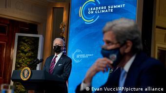 Ο Μπάιντεν κηρύσσοντας την έναρξη της διαδικτυακής διάσκεψης κορυφής για το κλίμα