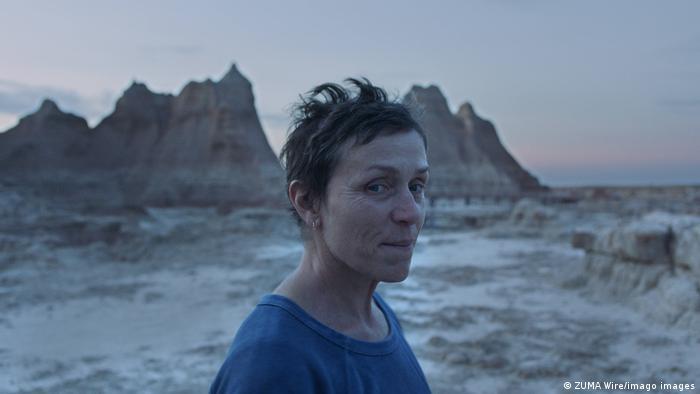 Frances McDormand în Nomadland