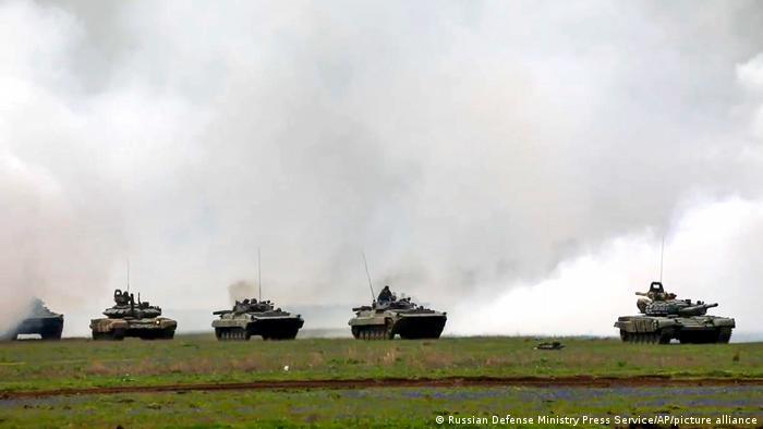 Кадр відеохроніки навчань російської армії в анексованому Криму