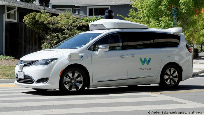 Самокерований автомобіль компанії Waymo