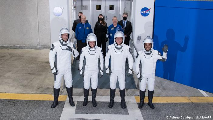 USA l NASA TV - Crew-2-Mission Mannschaftsbild, SpaceX
