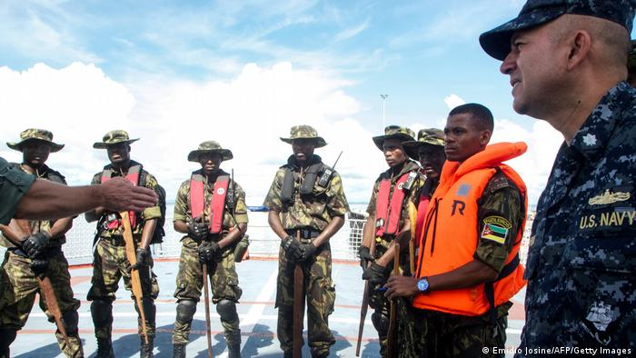 Военные США тренируют солдат ВС Мозамбика