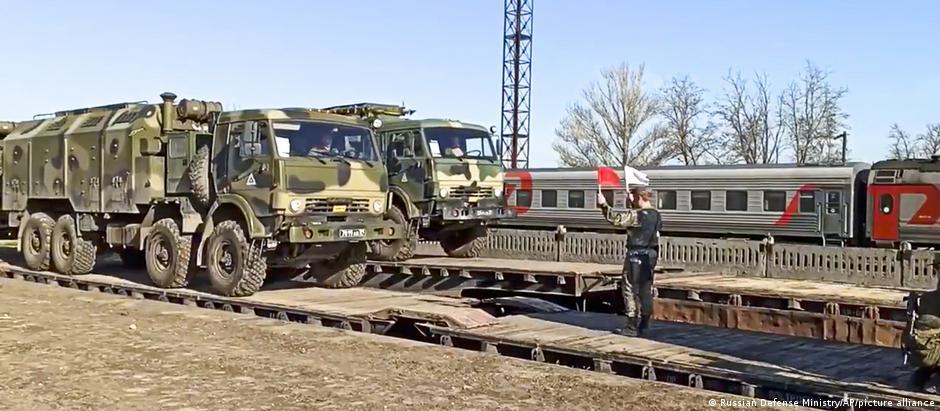 Crimeea: retragerea unor efective ruse după un exerciţiu