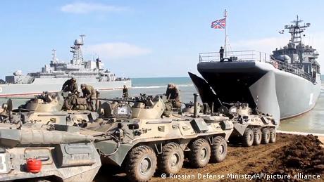 Отвод российских войск после учений в Крыму, апрель 2021 года