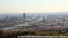 Stadt Wien - Kahlenberg Wien, 12. 04. 2021 Kahlenberg - Blick auf Wien Copyright Karl Schöndorfer TOPPRESS - 20210412_PD10676