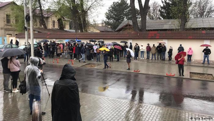 Proteste în faţa Curţii Constituţionale din Chişinău