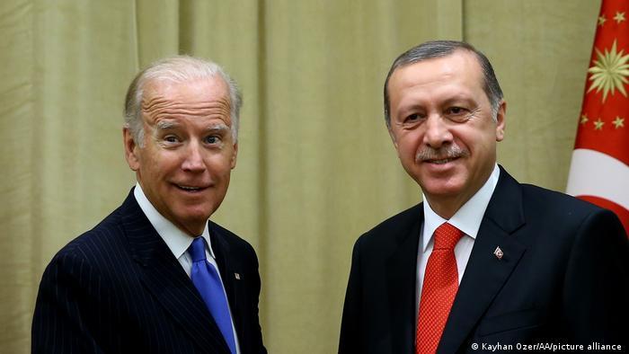 الرئيس التركي رجب طيب أردوغان والرئيس الأمريكي جو بايدن (أرشيف)