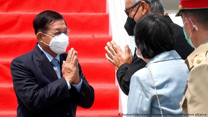 Jendral Min Aung Hlaing tiba di Jakarta menghadiri KTT ASEAN, 24 April 2021