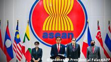 This handout photograph taken on April 24, 2021 and released by the Indonesian Presidential Palace shows Indonesian President Joko Widodo (C) delivering his speech at the Association of Southeast Asian Nations (ASEAN), Myannmar crisis talks in Jakarta. (Photo by - / INDONESIAN PRESIDENTIAL PALACE / AFP) / RESTRICTED TO EDITORIAL USE - MANDATORY CREDIT AFP PHOTO/Indonesian Presidential Palace - NO MARKETING - NO ADVERTISING CAMPAIGNS - DISTRIBUTED AS A SERVICE TO CLIENTS
