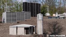 Skulpturenprojekt Neustadt des Künstler Julius von Bismarck, das er zusammen mit der Architektin Marta Dyachenko für den Emscherkunstweg in Duisburg entwickelt und dort installiert hat. ++++ Ort: Duisburg, Emscherkunstweg Datum: 11./15./22.4.2021 Copyright: Heike Mund/DW (2021) ++++ Bild 13: Die Neustadt am Emscherkunstweg