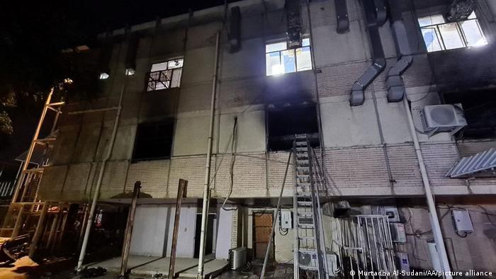 Вогонь охопив кілька поверхів лікарні