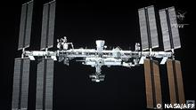 International Space Station SpaceX's Crew Dragon Andockmanöver