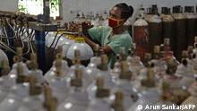Indien Chennai Coronapandemie Sauerstoffzylinder
