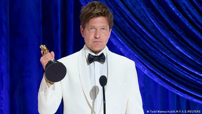 USA, Los Angeles: 93. Oscarverleihung - Tomas Vinterberg - Oscar für internationalen Spielfilm