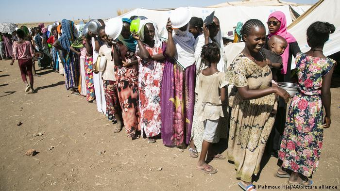 Queue of Ethiopian refugees in Sudan